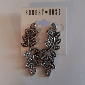 Final🎉NWT Robert Rose Earrings